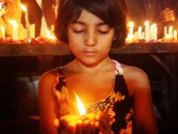 파키스탄 테러 그후 '평화를 원해'