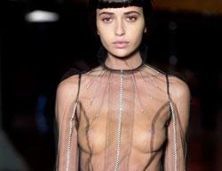 상파울로 패션위크 '통통 튀는 런웨이'