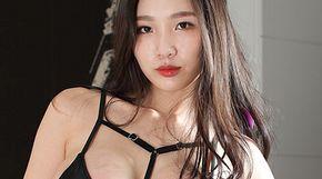 <strong>'청순 베이글' 女모델, 절정의 몸매</strong>