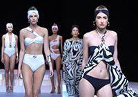 모델들의 섹시한 워킹 콜롬보 수영복 패션위크