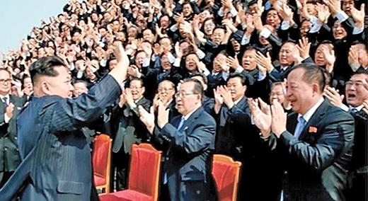 """""""북한 대사 월급 95만원,비싼 된장은 평양서 공급 받아"""""""