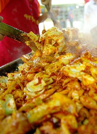 맛있게 즐겁다! '춘천닭갈비막국수축제'