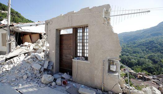 폐허가 된 이탈리아 지진 피해 현장