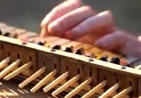 세상에 하나뿐인 '젓가락 피아노' 소리 날까?