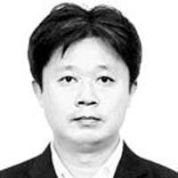[사설] 제1야당 더민주 대표에 오른 추미애의 과제