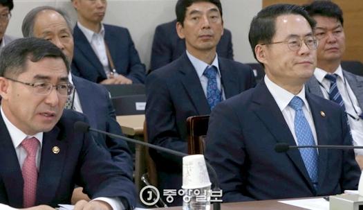 야당, 김재수 장관에게 답변 기회도 안줘