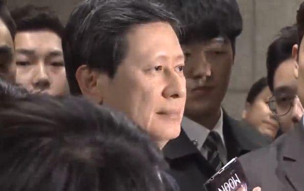 """신동빈·신동주 법원 출석""""심려 끼쳐 죄송, 성실히 임할 것"""""""