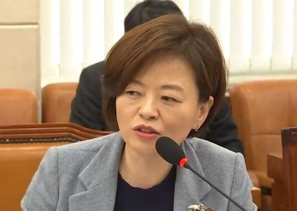 """진선미...""""文 비방 강남구청장 '카톡방'에 김진태·서석구 있었다"""""""