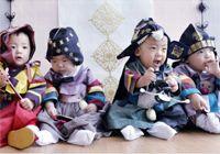 """""""키우기 버겁지만 기쁨은 네배""""청주 네쌍둥이 첫 돌"""