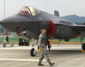 미군 트럼프 아시아 순방 앞두고 F-35A 12대 일본에 배치