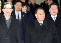 군사도로로 돌아온 김영철…美 담당 외교관 동행