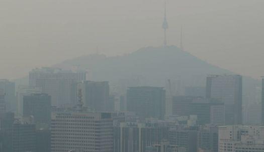 따스한 서울, 초미세먼지 민감군주의보 발령
