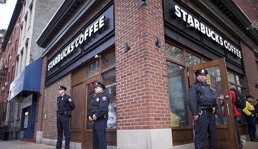 '인종차별' 스타벅스가 내놓은 극약처방은?