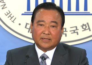 """이완구 """"6·13 지방선거 불출마""""…당권 도전 시사"""