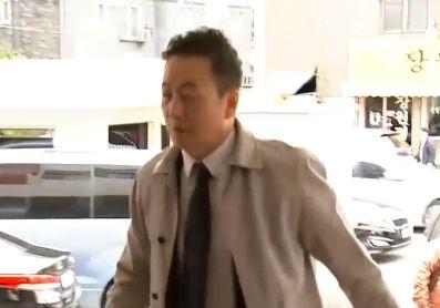 '성추행 의혹' 정봉주, 예정보다 1시간 일찍 경찰 출석