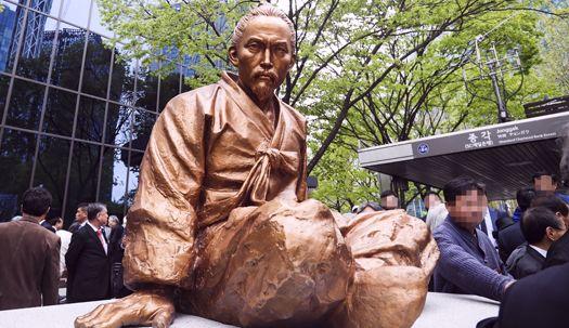 전봉준 장군 동상, 서울 한복판에 세워지다