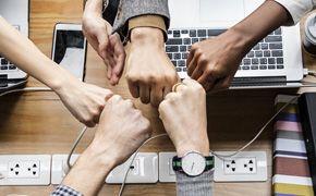 [톡톡에듀-영상]직관, 사랑, 소통, 협업... AI를 이기는 방법