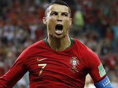 호나우드·메시···러 미술관에 걸린 '축구의 신'들