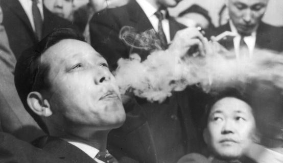 흑백사진으로 남은 한국 정치의 풍운아 JP