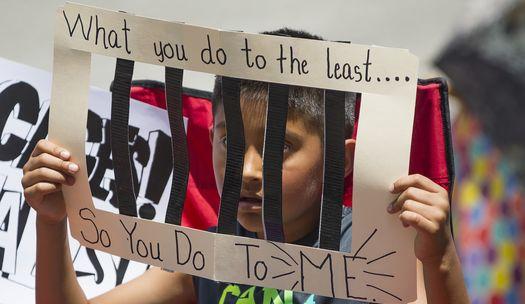 """'가족을 함께"""", 미국 전역서 반 트럼프 시위"""