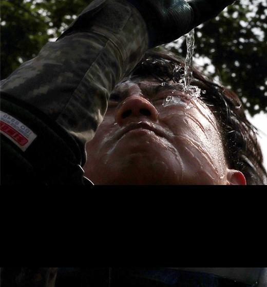 """""""고개 들라"""" 아름다운 패자 크로아티아에 전세계 찬사인구 서울 절반, 내전 악몽 잊지못한 국민에 희망 안겨"""