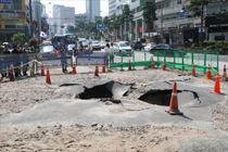 충무로역 일대 한때 물난리…폭염속 서울 도심에 무슨 일이