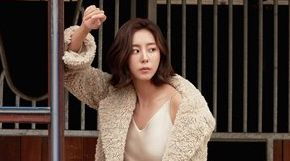 """<strong>[화보IS] 유이 """"30대 여유 생겼다""""</strong>"""