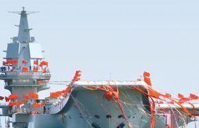 중국 해양 대국의 첨병 산둥함, 美 레이건함과 겨루면