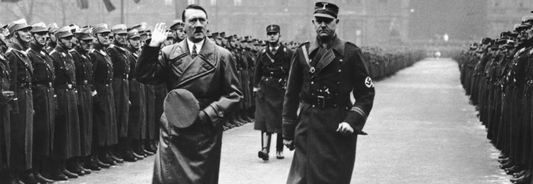 참모 무시한 히틀러, 군대 못믿는 文정부…결과는 추락 뿐이다