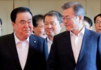 """최저지지율 속 文 """"민생 법안에 문희상 의장님이 각별히"""""""