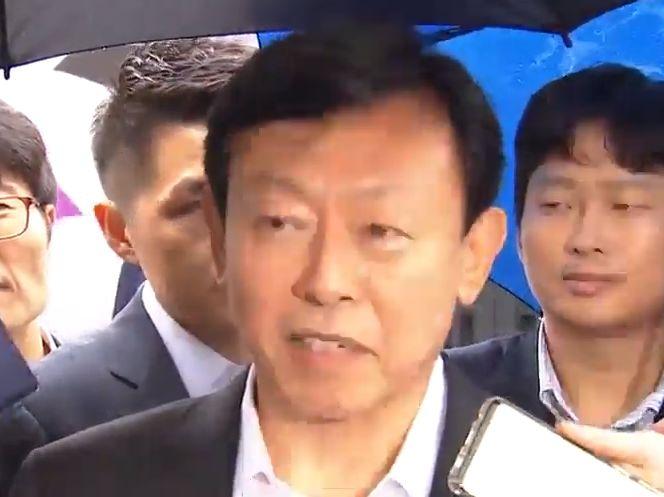"""집유 석방 신동빈 """"지배구조 선진화에 주력"""""""
