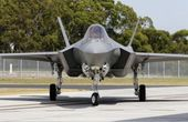 최첨단 스텔스 F-35A 호주 공군기지로 안착