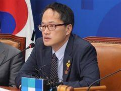 '대법장 권한 내려놓는' 김명수표 사법개혁안 국회제출