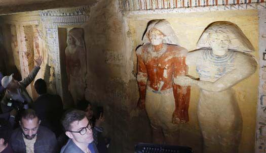 4500년 전 왕실 사제 무덤에서 깨어났다!