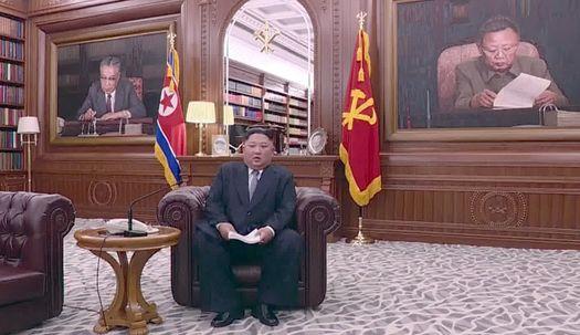 인민복에서 소파까지, 김정은의 신년사 7년
