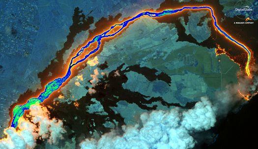 분출하는 용암, 쓰나미, 우주에서 본 지구촌