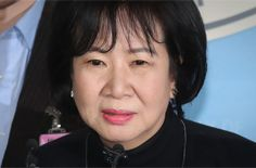 손혜원, 父 유공자 지정 전<br/>의원실에 보훈처장 불렀다