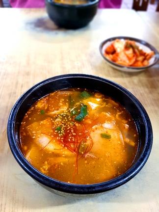 음식의 '이산 상봉'…북한식 돼지국밥 맛은 딱 부산식