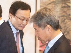 """김수현 만난 이해찬 쓴소리""""경제정책, 수정할 건 수정"""""""
