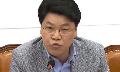 """장제원 """"최악의 콩고물 거래"""" """"내용도 누더기"""""""