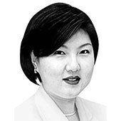 [사설] '검은머리 외신기자'에서 드러난 집권당의 언론관