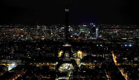 에펠탑, 오페라 하우스에 불빛 사라진 이유?