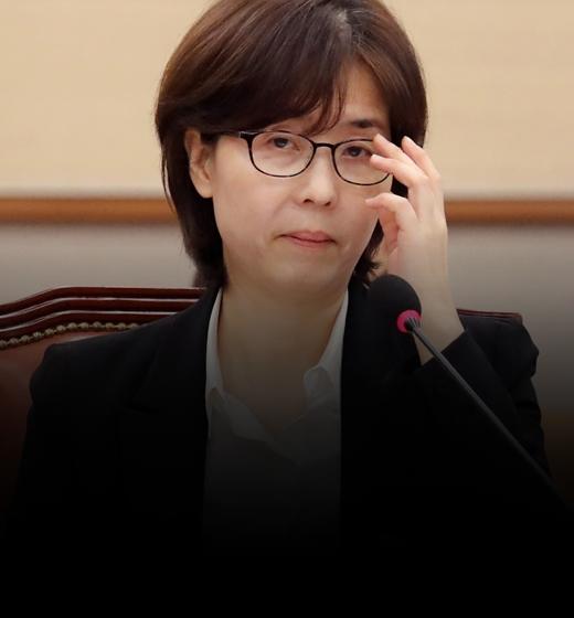 """이미선·문형배 임명 강행 """"文, 우즈베크서 전자결재"""""""
