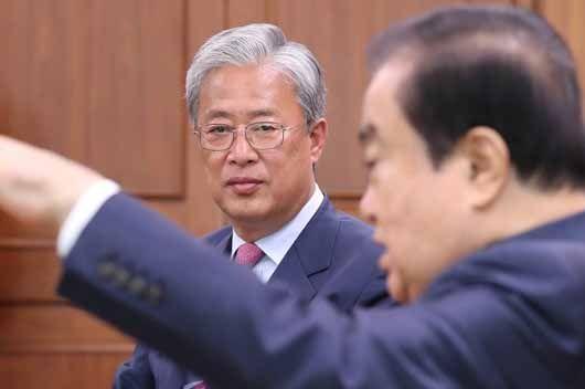 """유성엽 문희상에 """"국회의원  50명 늘리자"""""""