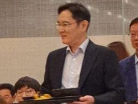 '1분 품절폰' 한국 상륙···갤럭시 반값에 스펙은 비슷