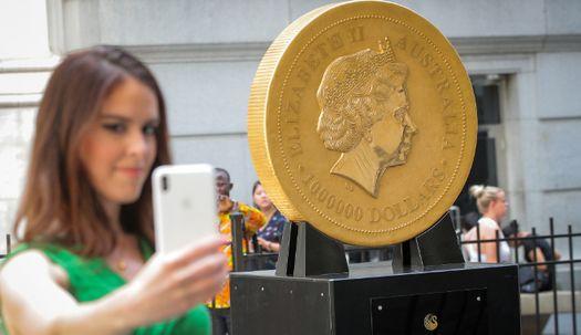 무게만 1톤, 세계 가장 큰 금화 가격은 얼마?