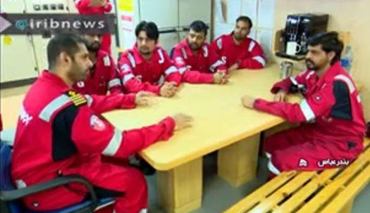 이란, 나포 영국 유조선 선원 모습 첫 공개