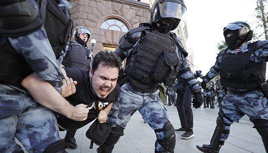 러 경찰, 공정선거 요구 시위대 무자비 진압…수백 명 연행