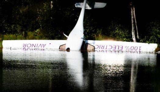 노르웨이 첫 전기비행기 추락