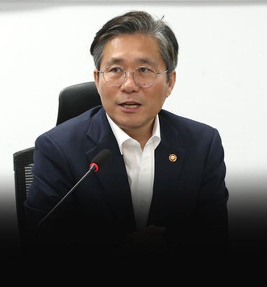 """""""日 원하는대로 협의할 것""""성윤모의 저자세 외교, 왜"""